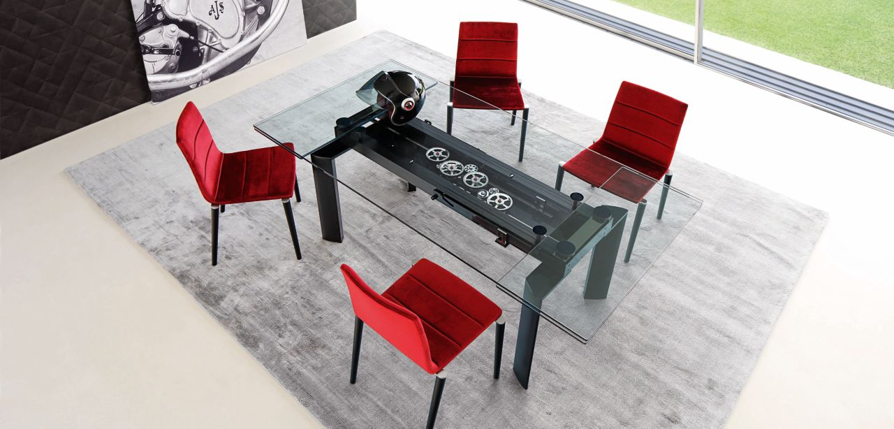 table de repas astrolab roche bobois. Black Bedroom Furniture Sets. Home Design Ideas