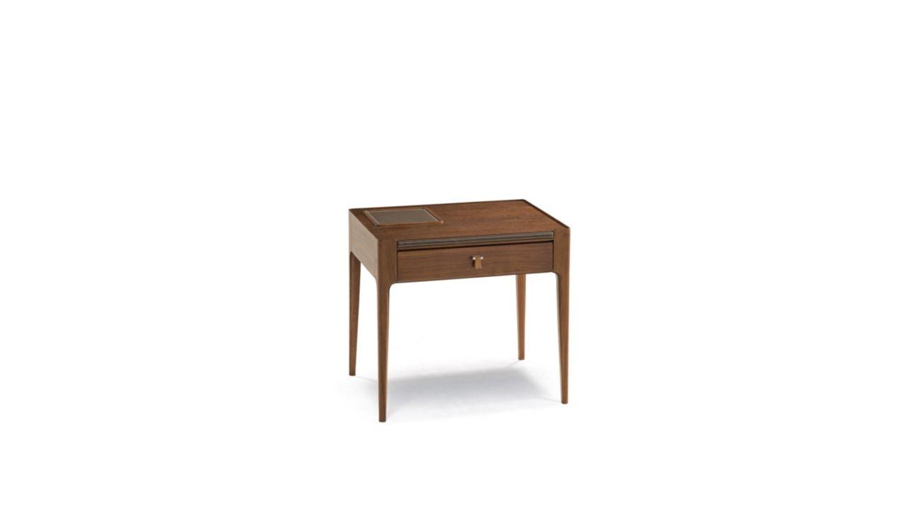 repertoire bedside table nouveaux classiques collection roche bobois. Black Bedroom Furniture Sets. Home Design Ideas