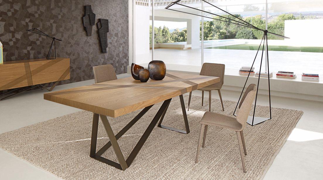 TABLES DE REPAS   Roche Bobois