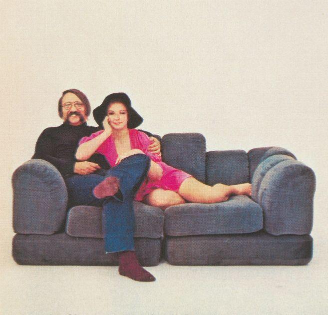 storia del marchio roche bobois. Black Bedroom Furniture Sets. Home Design Ideas