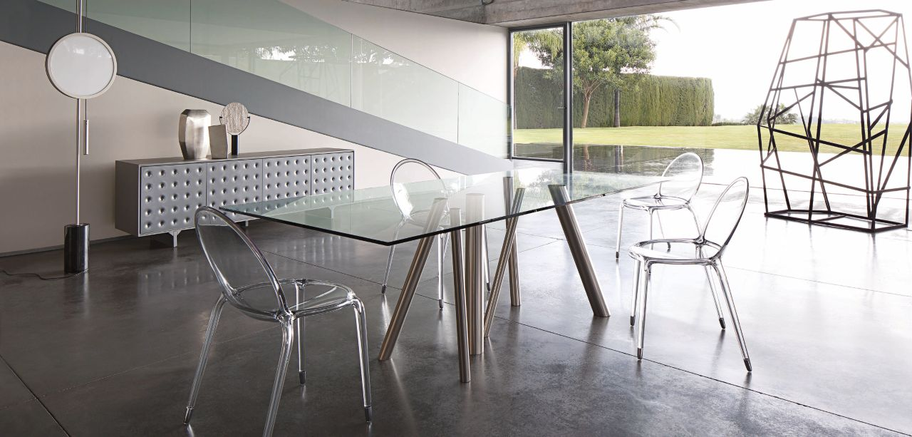 Table de repas forest roche bobois for Table de salle a manger gifi