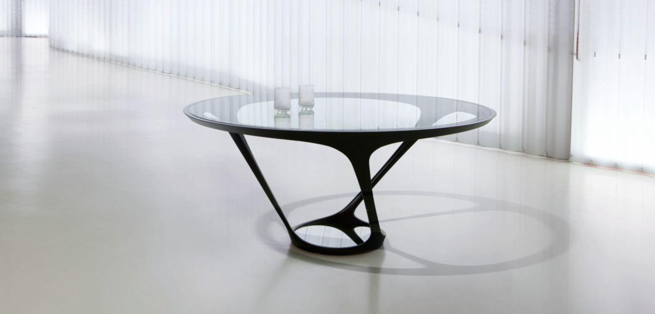 Ora ito dining table roche bobois for Roche bobois tables basses
