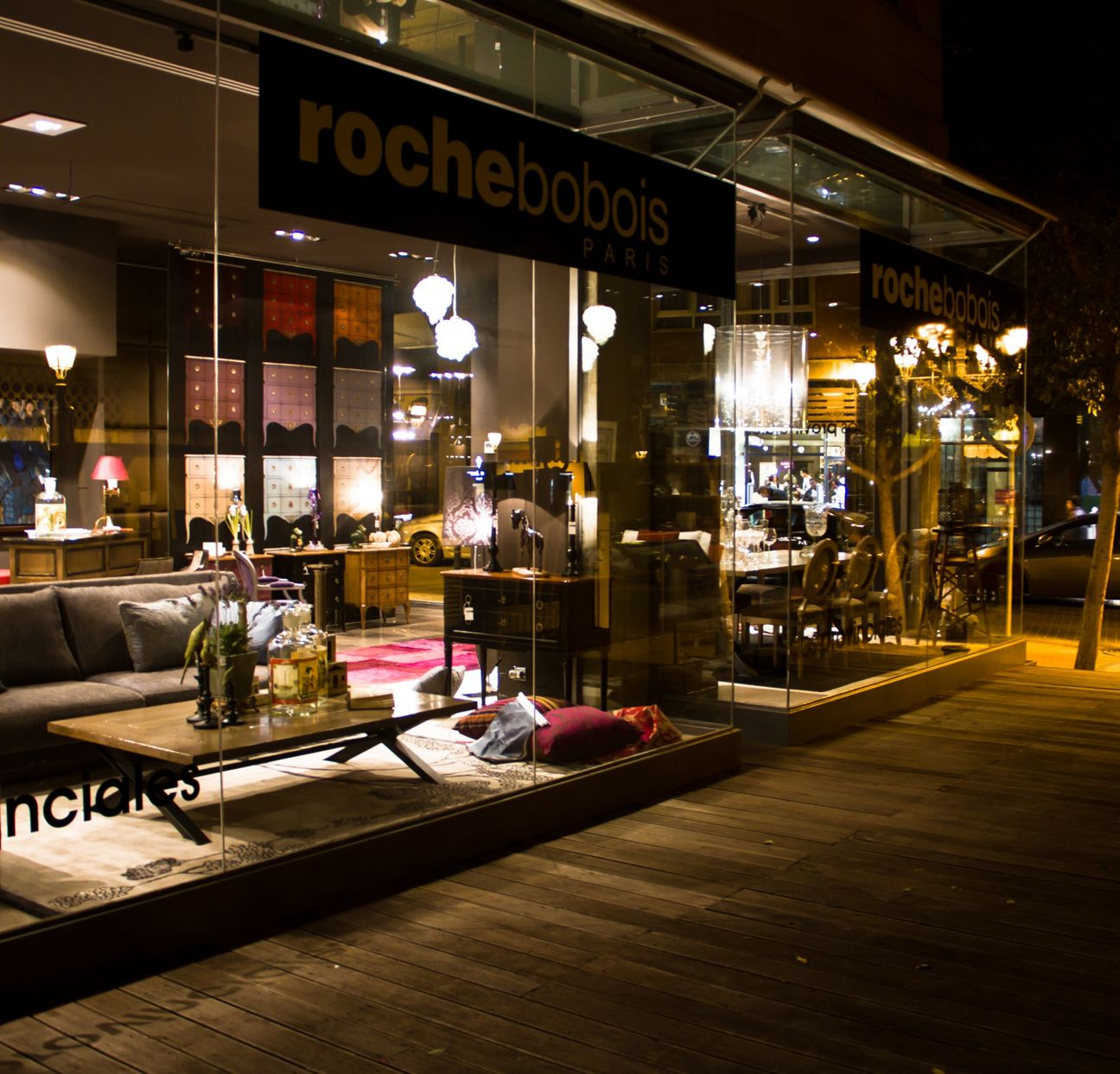 magasin roche bobois palma de mallorca 07012. Black Bedroom Furniture Sets. Home Design Ideas
