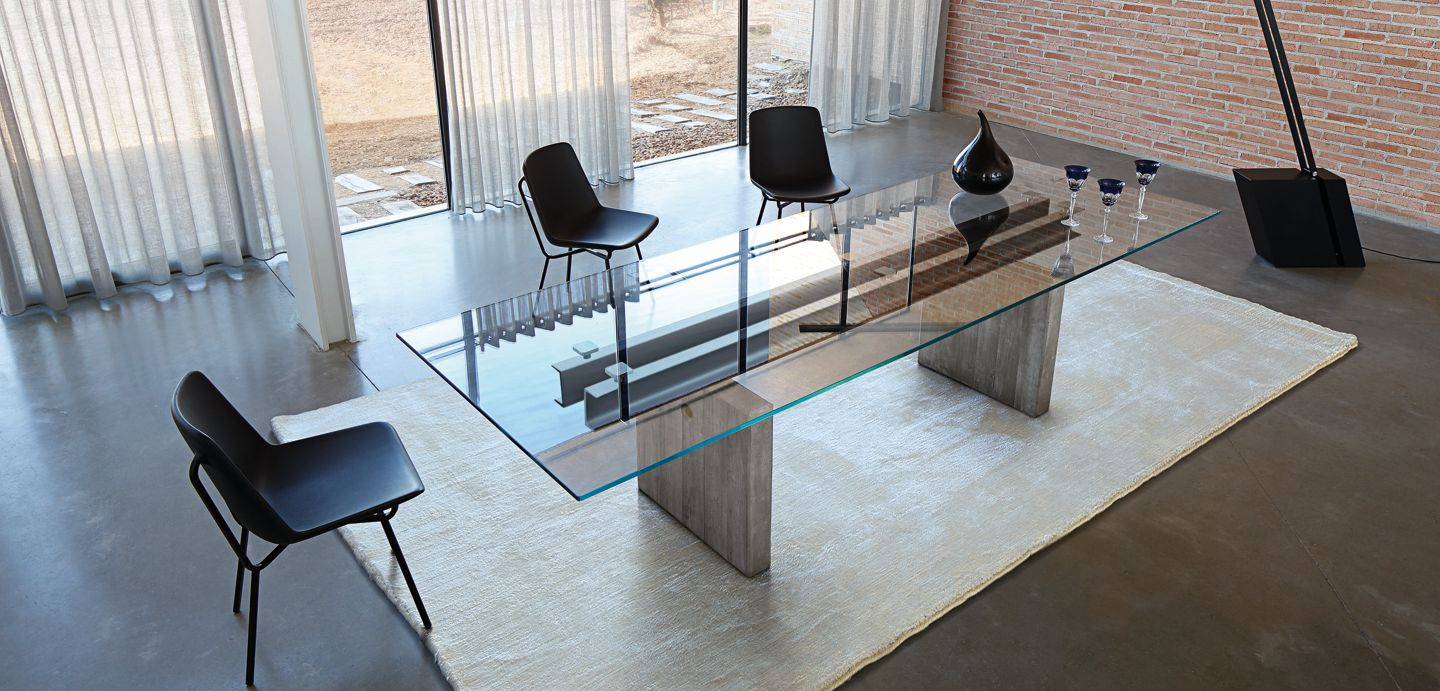 Less is more dining table roche bobois - Roche bobois table salle a manger ...