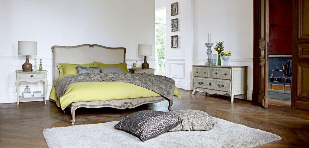 ESTAMPE BED (Nouveaux Classiques collection) - Roche Bobois