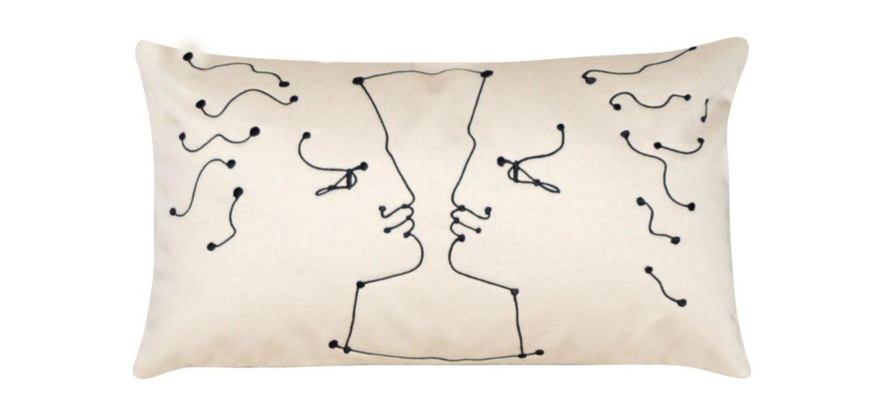 face a face jean cocteau coussin roche bobois. Black Bedroom Furniture Sets. Home Design Ideas