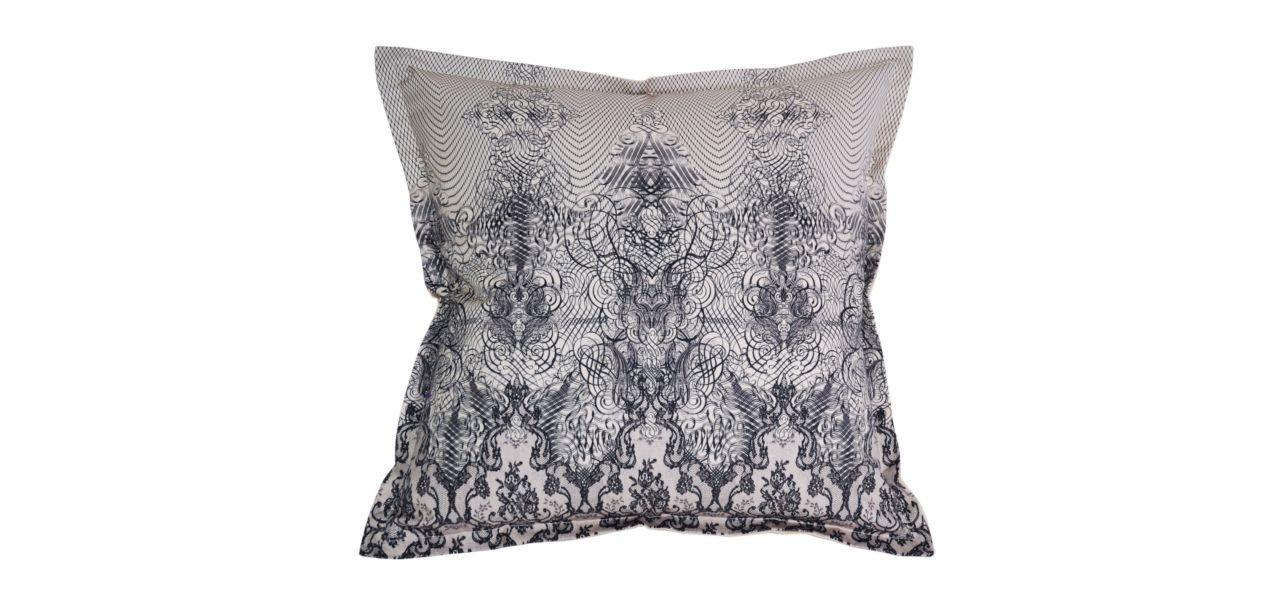 dentella jean paul gaultier coussin roche bobois. Black Bedroom Furniture Sets. Home Design Ideas