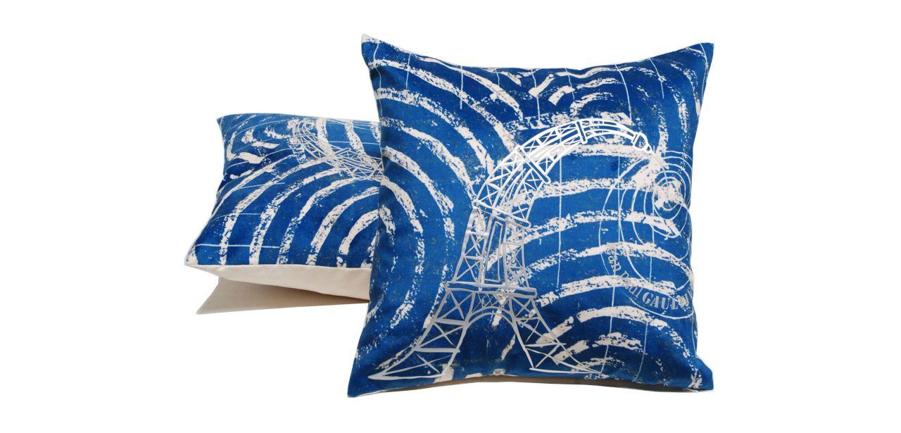 coussin fiere jean paul gaultier roche bobois. Black Bedroom Furniture Sets. Home Design Ideas