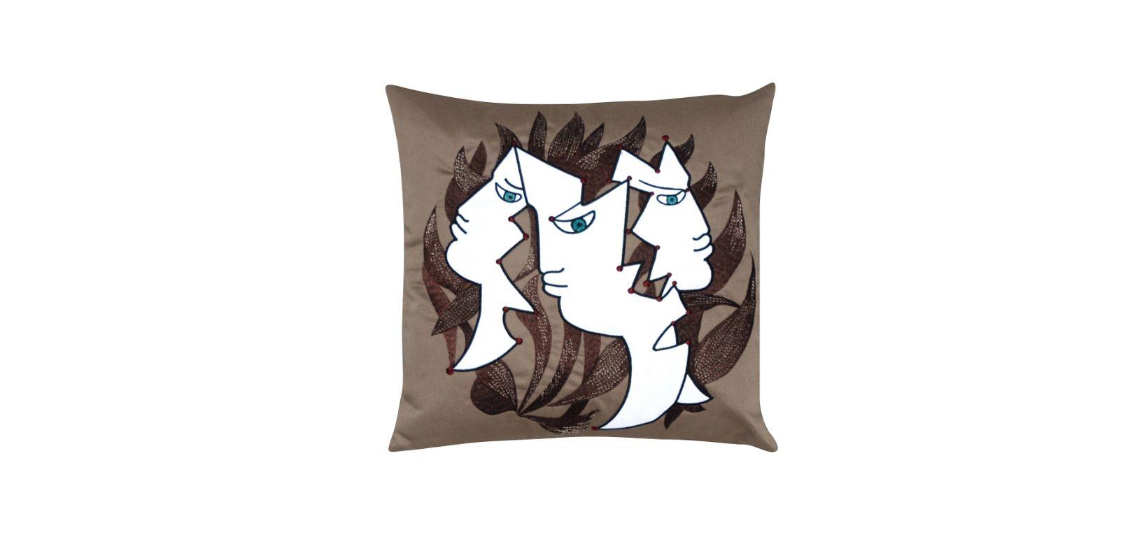 3 visages jean cocteau cuscino roche bobois. Black Bedroom Furniture Sets. Home Design Ideas