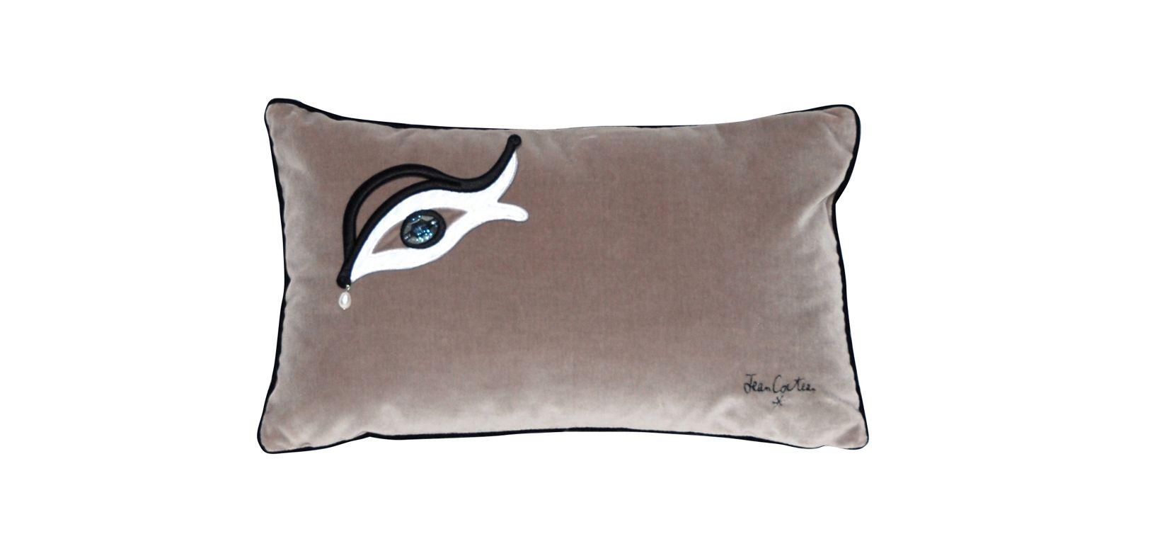 coussin l 39 oeil jean cocteau roche bobois. Black Bedroom Furniture Sets. Home Design Ideas