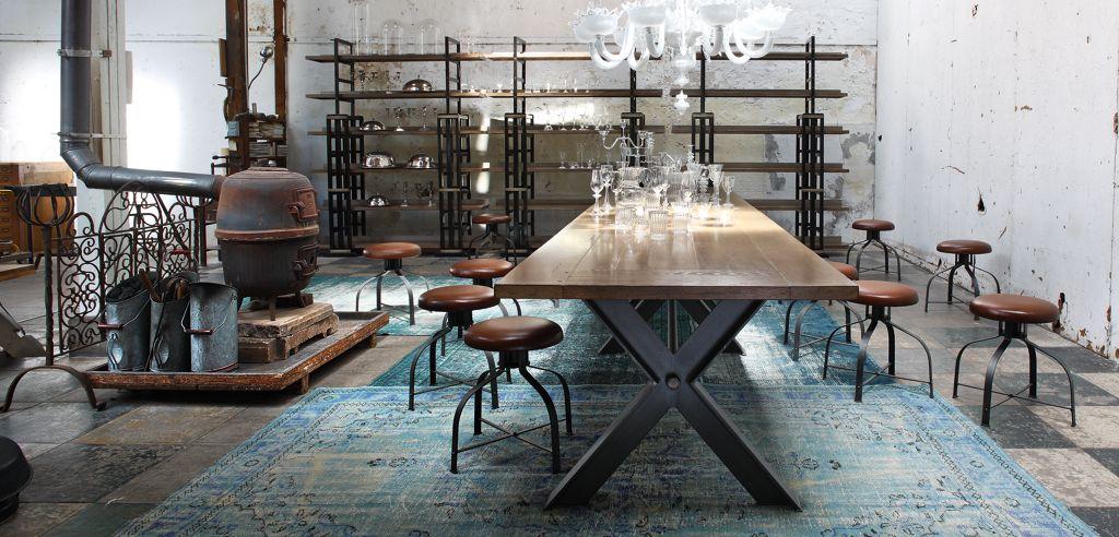 SYNTAXE TABLE DE REPAS (Collection Nouveaux Classiques) - Roche Bobois