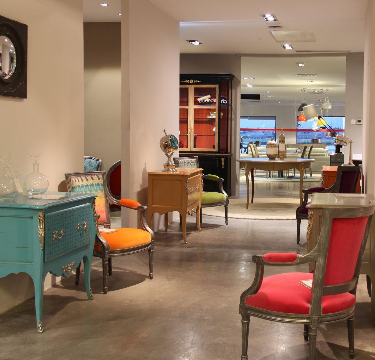 roche bobois showroom tunis 2036. Black Bedroom Furniture Sets. Home Design Ideas