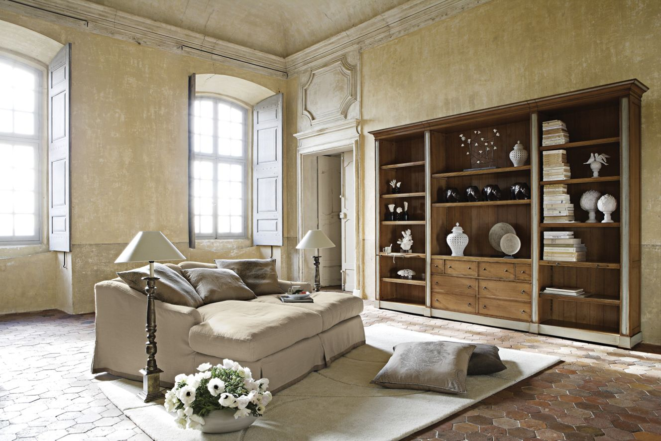 buffet hauteville collection nouveaux classiques roche bobois. Black Bedroom Furniture Sets. Home Design Ideas