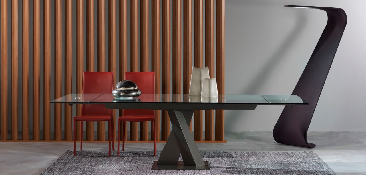 axel table de repas roche bobois. Black Bedroom Furniture Sets. Home Design Ideas