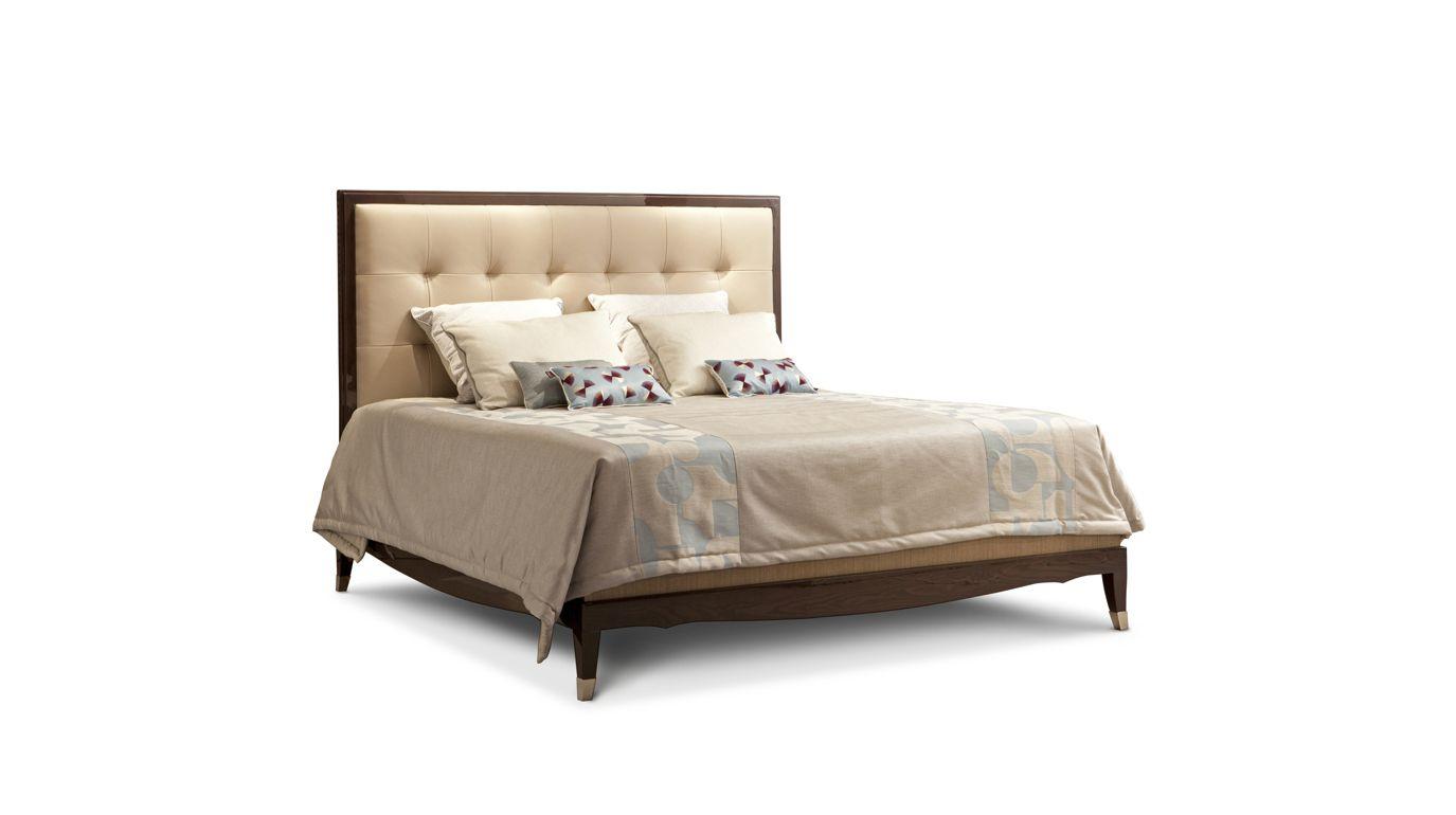 lit grand hotel collection nouveaux classiques roche bobois. Black Bedroom Furniture Sets. Home Design Ideas