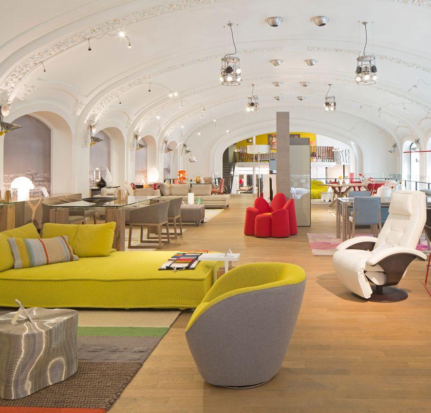 roche bobois showroom paris 12 contemporains 75012. Black Bedroom Furniture Sets. Home Design Ideas