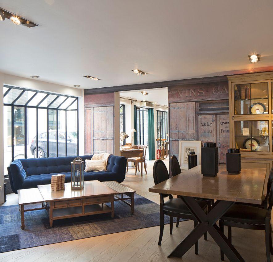 negozio roche bobois paris 12 nouveaux classiques 75012. Black Bedroom Furniture Sets. Home Design Ideas