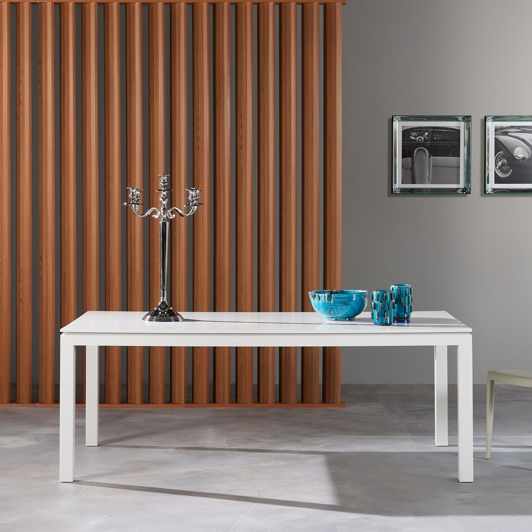CODA DINING TABLE