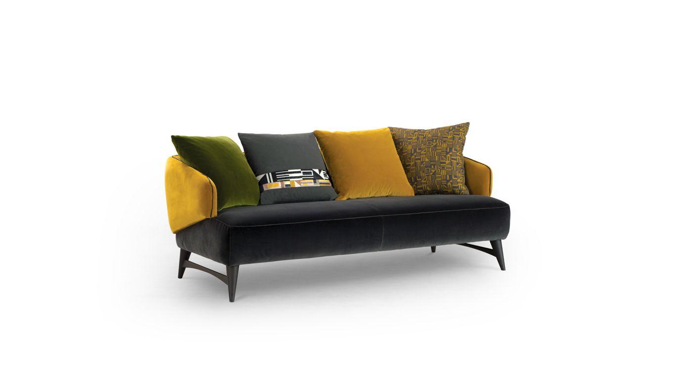 fauteuil aries collection nouveaux classiques roche bobois. Black Bedroom Furniture Sets. Home Design Ideas