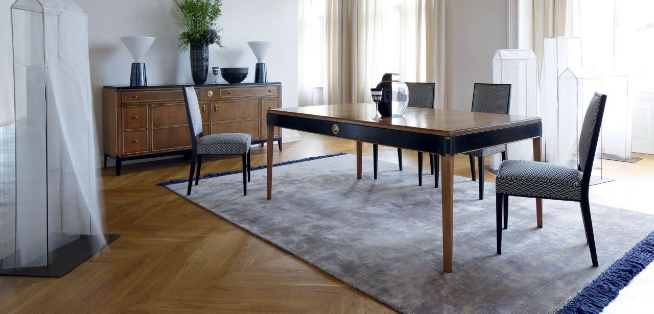 claridge table de repas collection nouveaux classiques roche bobois. Black Bedroom Furniture Sets. Home Design Ideas