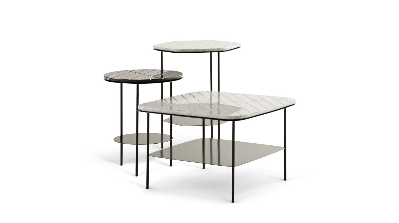 Geom round pedestal table roche bobois for Table verre extensible roche bobois