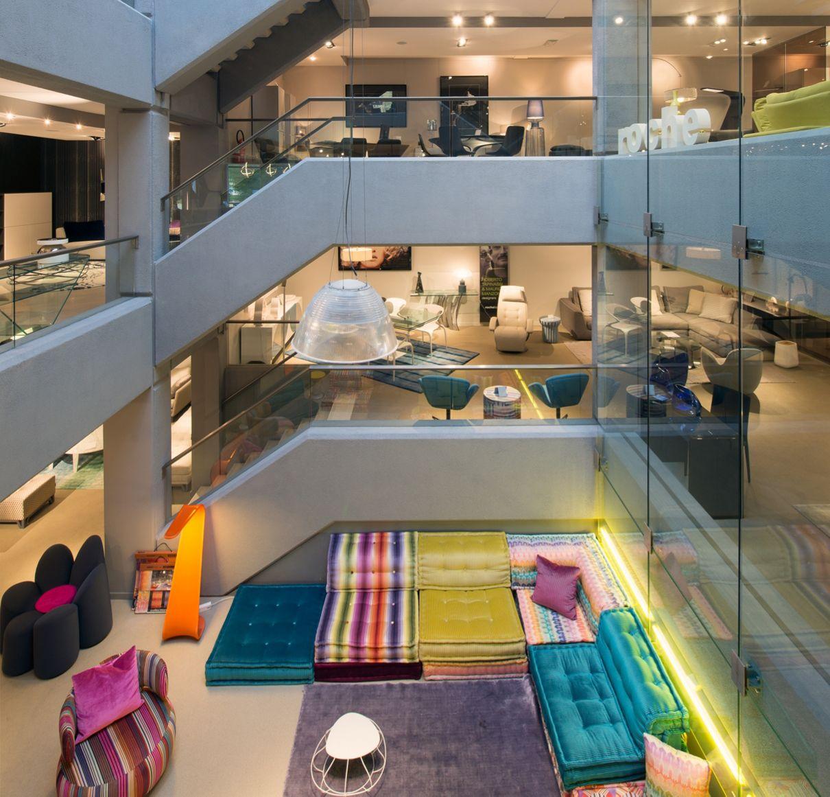 magasin roche bobois bruxelles uccle 1180. Black Bedroom Furniture Sets. Home Design Ideas