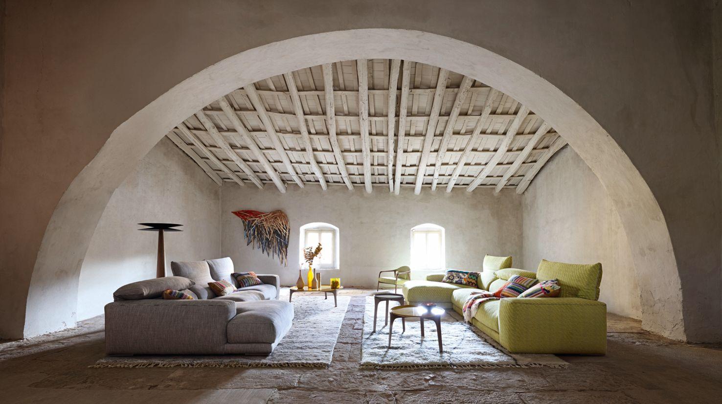 half half straight floor lamp roche bobois. Black Bedroom Furniture Sets. Home Design Ideas