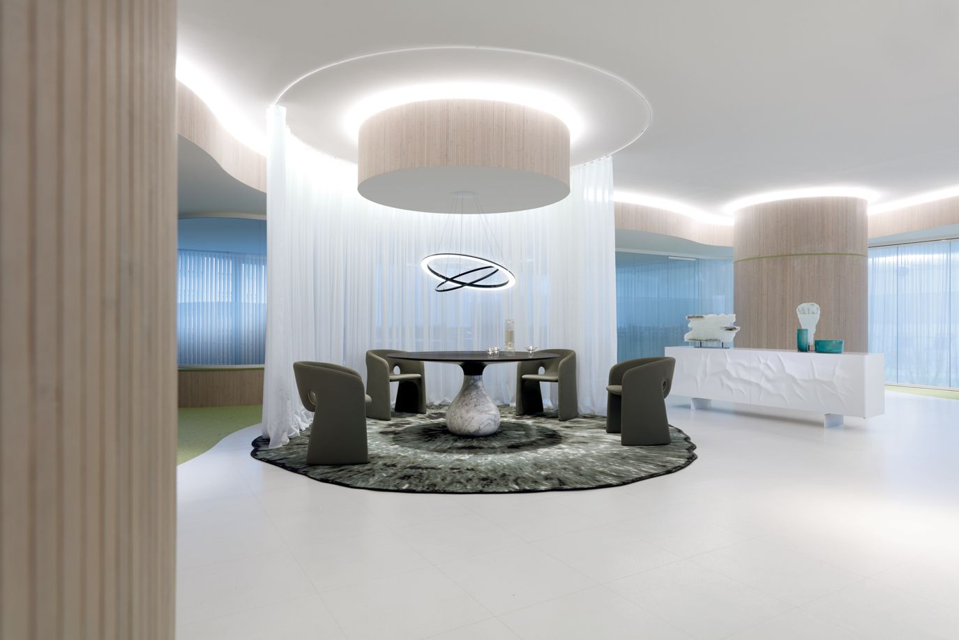 celeste fauteuil roche bobois. Black Bedroom Furniture Sets. Home Design Ideas