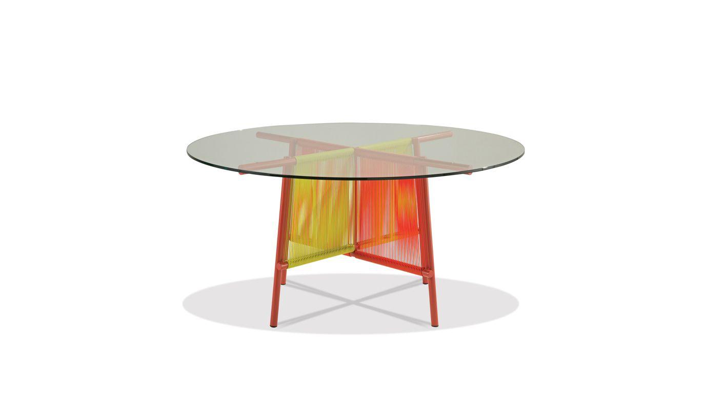 traveler outdoor round dining table roche bobois. Black Bedroom Furniture Sets. Home Design Ideas