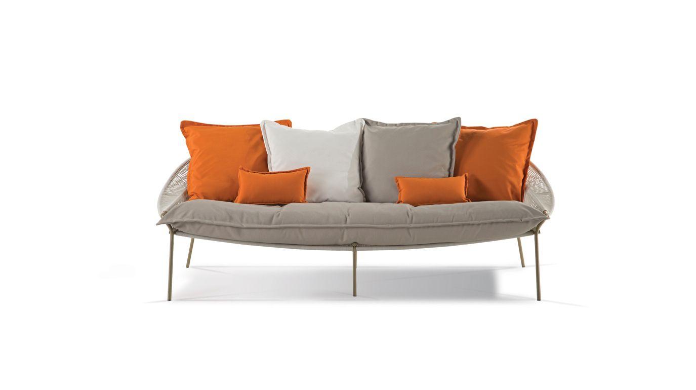 traveler outdoor canap 3 places roche bobois. Black Bedroom Furniture Sets. Home Design Ideas
