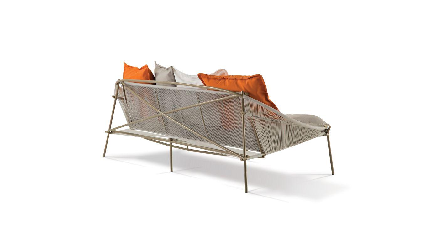 traveler outdoor 3 seat sofa roche bobois. Black Bedroom Furniture Sets. Home Design Ideas