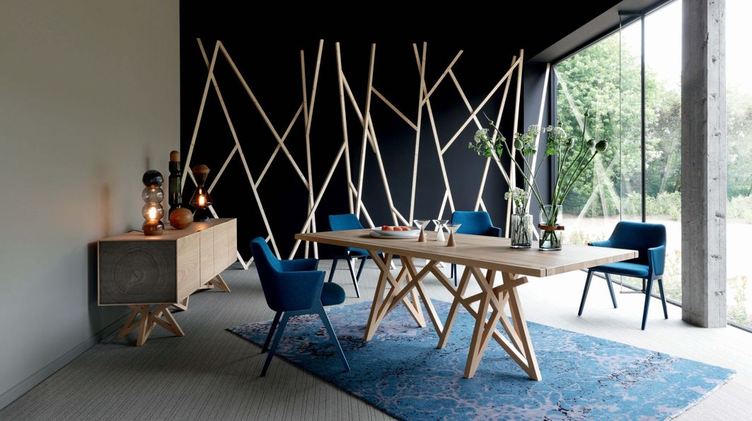 Saga 2 dining table roche bobois for Table salle a manger design rallonge