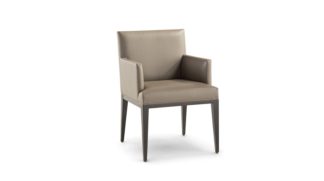 fauteuil epoq collection nouveaux classiques roche bobois. Black Bedroom Furniture Sets. Home Design Ideas