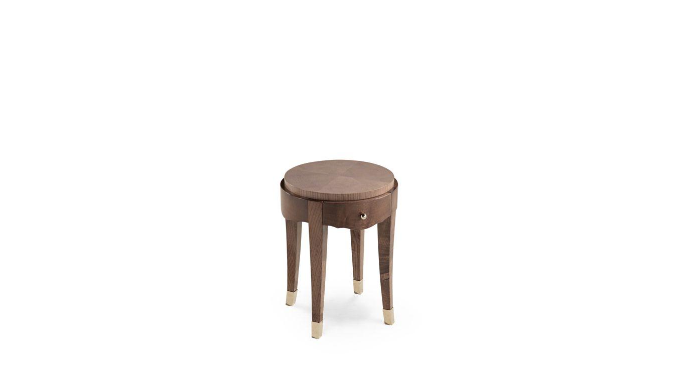 grand hotel bedside table nouveaux classiques collection roche bobois. Black Bedroom Furniture Sets. Home Design Ideas