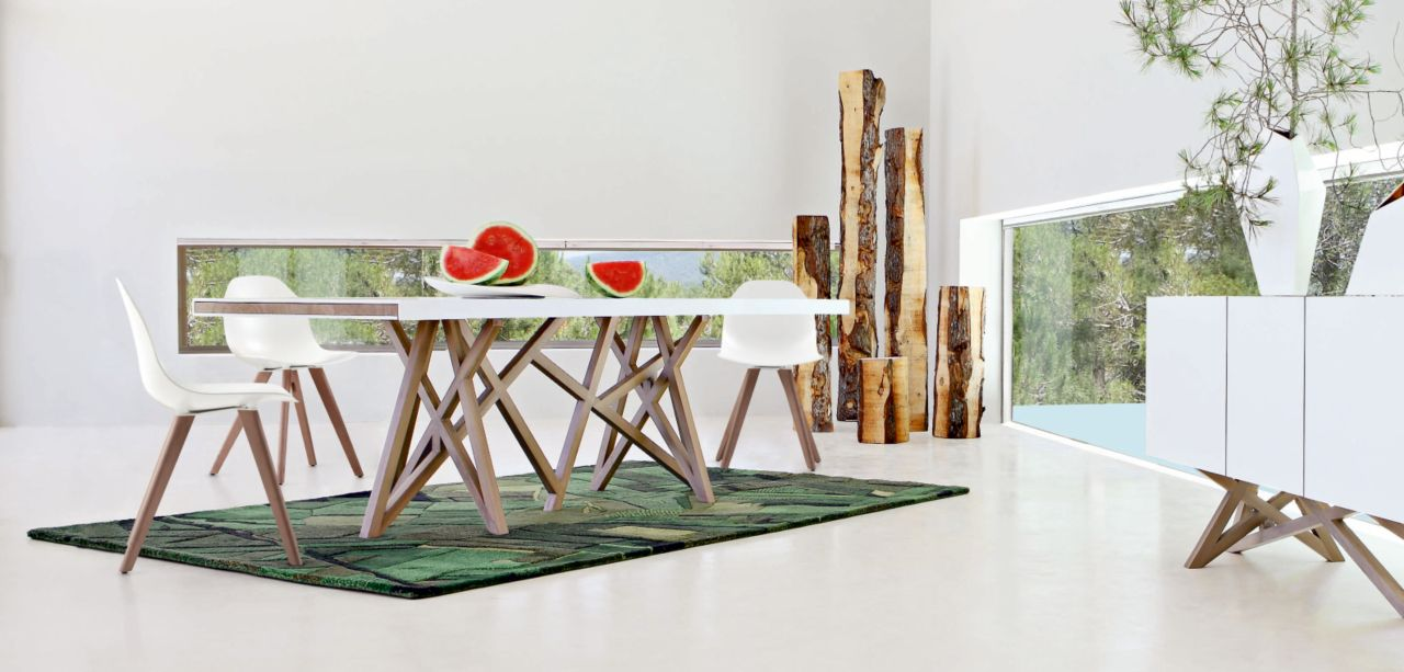 saga dining table roche bobois