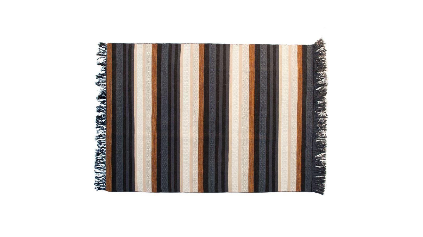 tapis rang e roche bobois. Black Bedroom Furniture Sets. Home Design Ideas