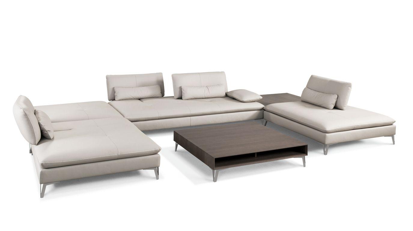 composition d 39 angle scenario roche bobois. Black Bedroom Furniture Sets. Home Design Ideas