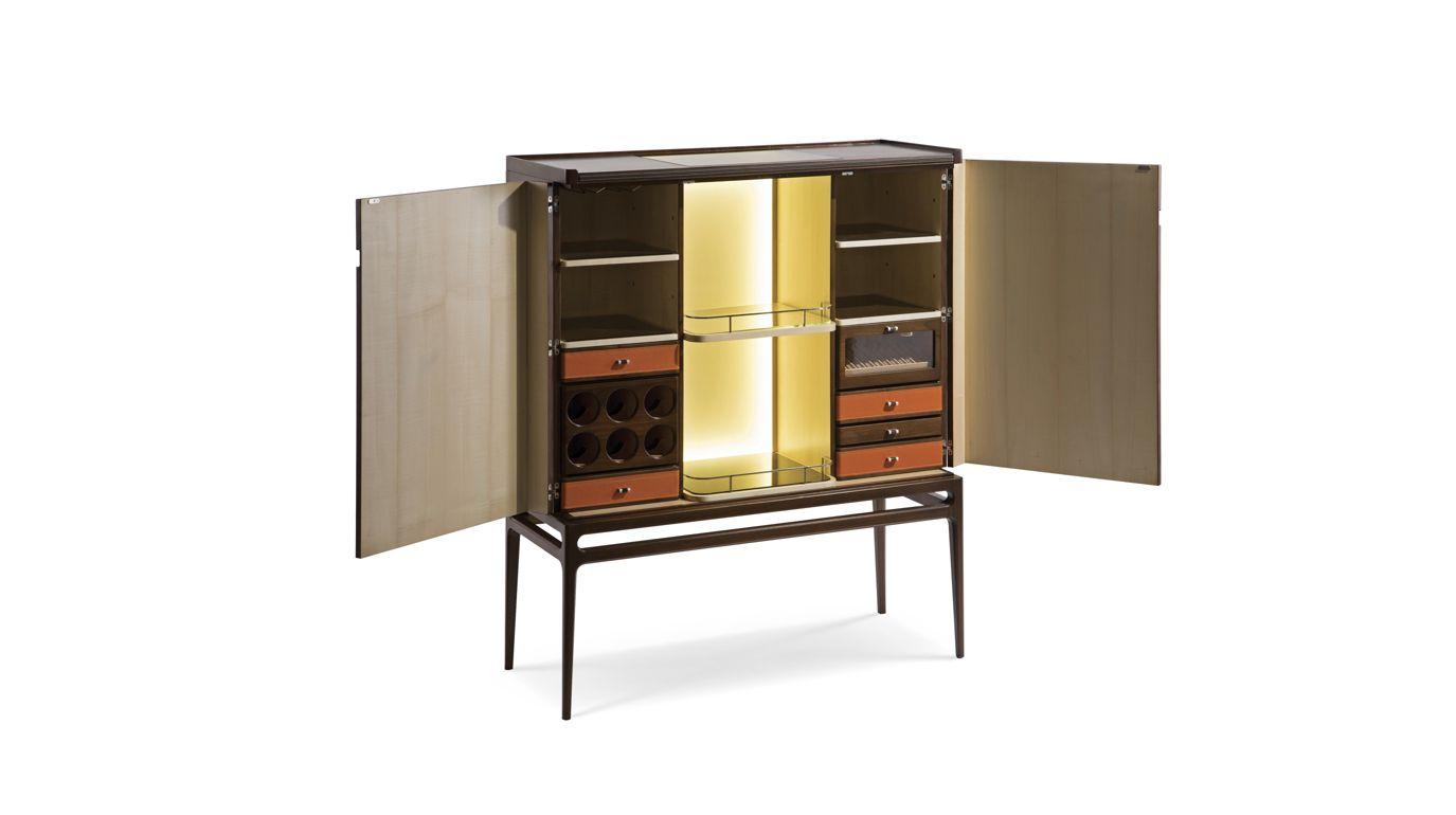 Repertoire bed nouveaux classiques collection roche bobois for Bar roche bobois