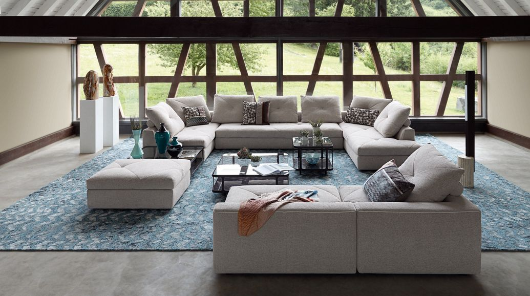 Roche bobois long island sofa for Living room furniture configurations