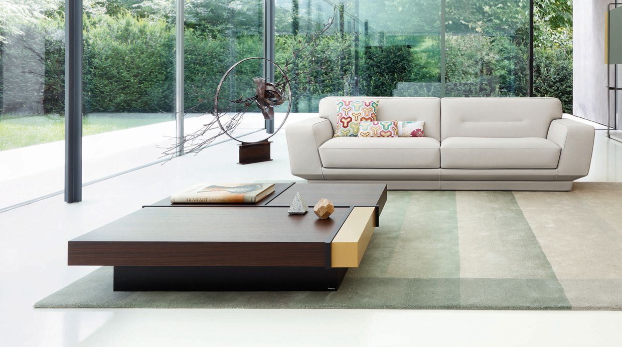 Pulsation large 3 seat sofa roche bobois for Table extensible roche bobois