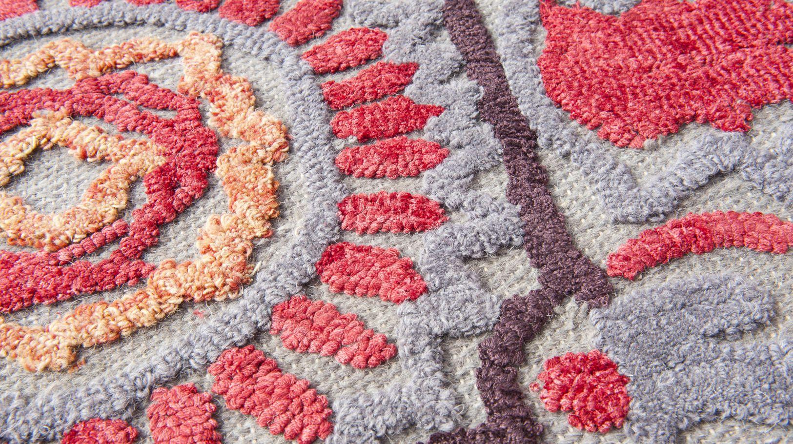 souzani rug roche bobois. Black Bedroom Furniture Sets. Home Design Ideas