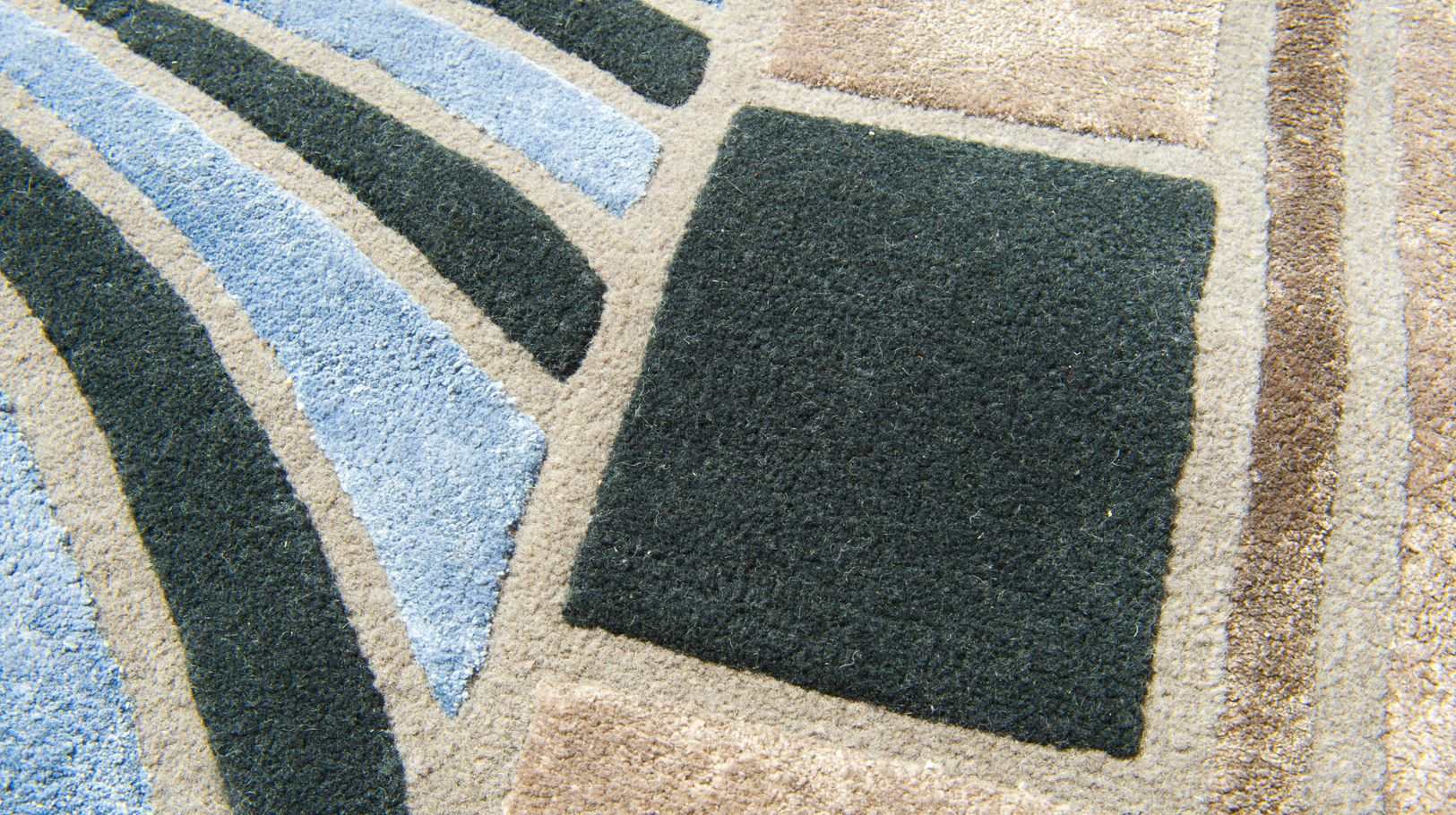 Stained Glass Tapis Roche Bobois
