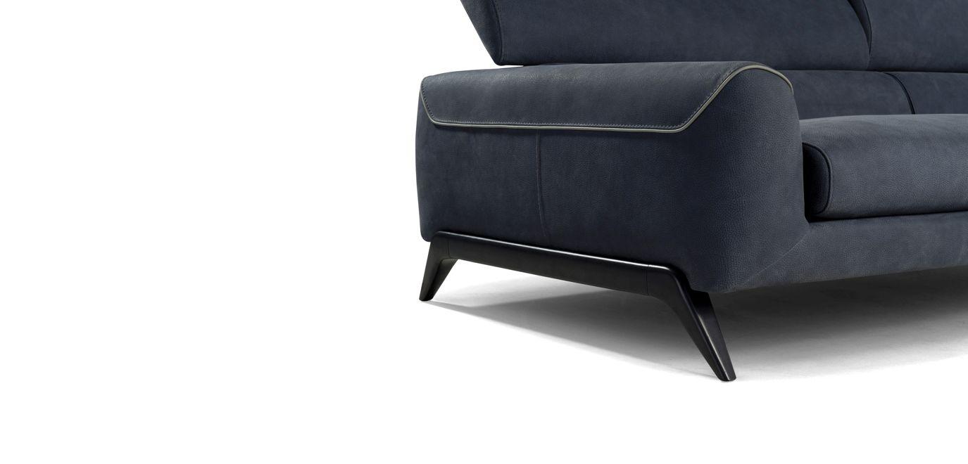 composition d 39 angle cinephile roche bobois. Black Bedroom Furniture Sets. Home Design Ideas