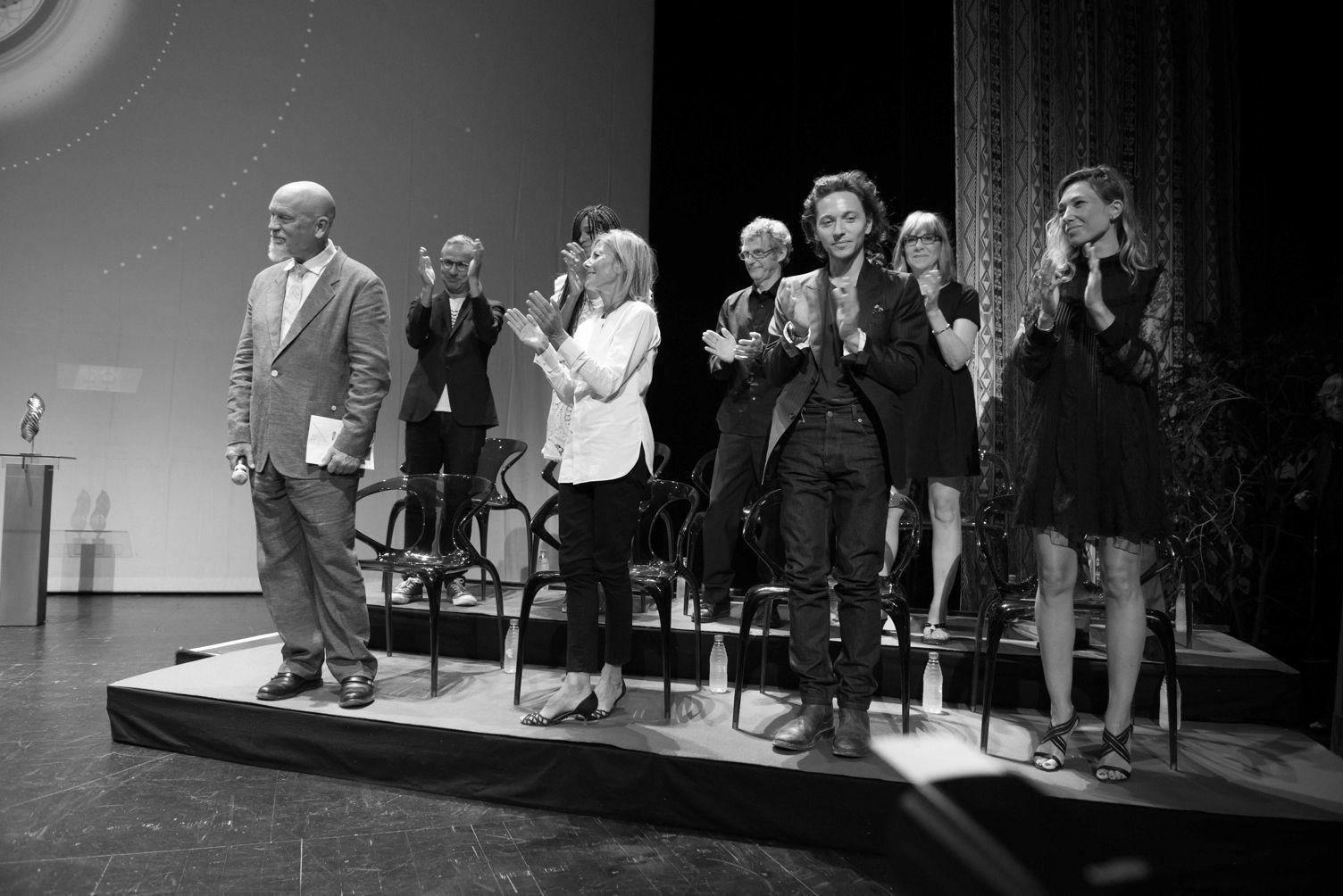 Roche bobois partenaire du festival du film d 39 angoul me roche bobois - Roche bobois soldes 2017 ...