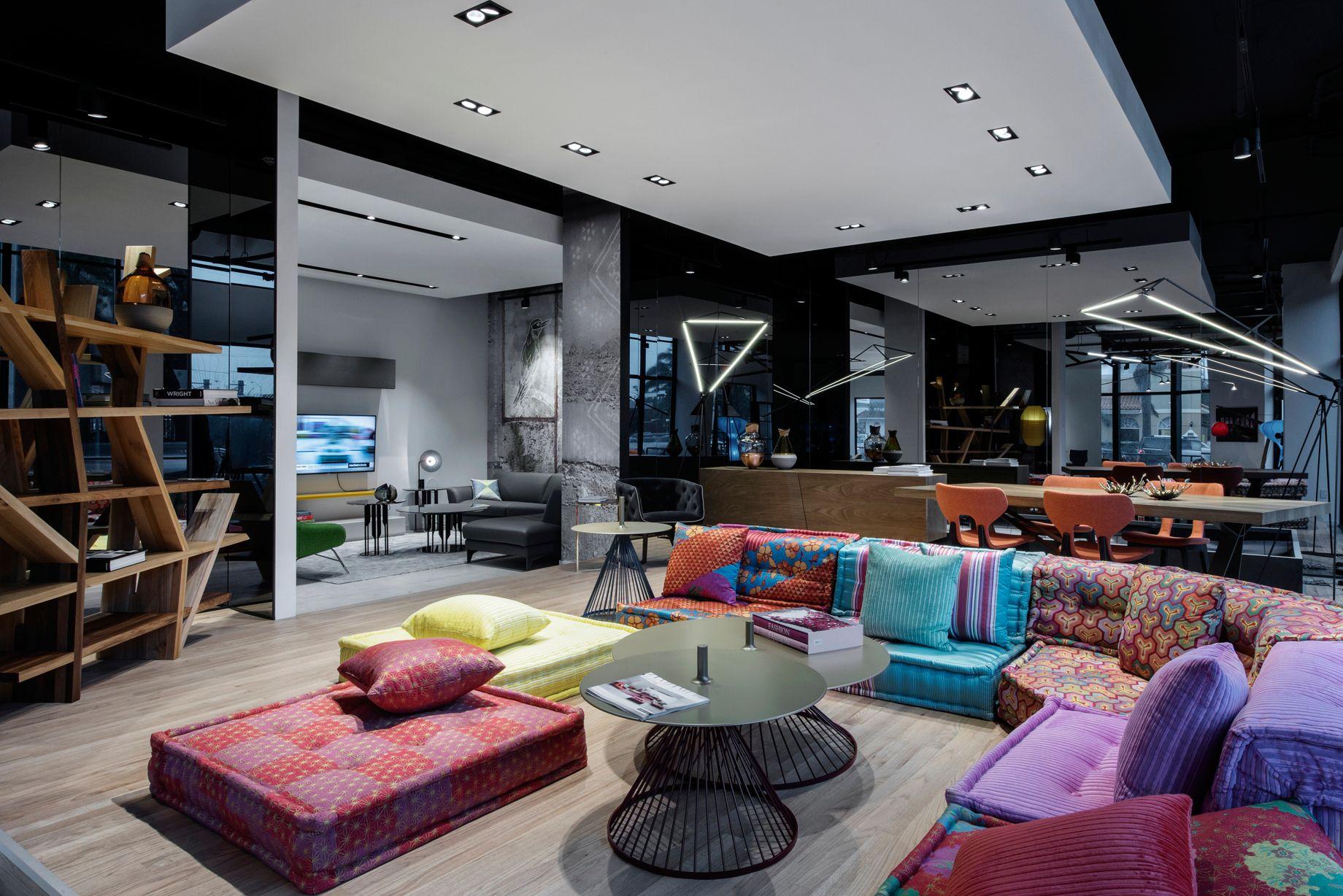 magasin roche bobois fl miami design district miami. Black Bedroom Furniture Sets. Home Design Ideas