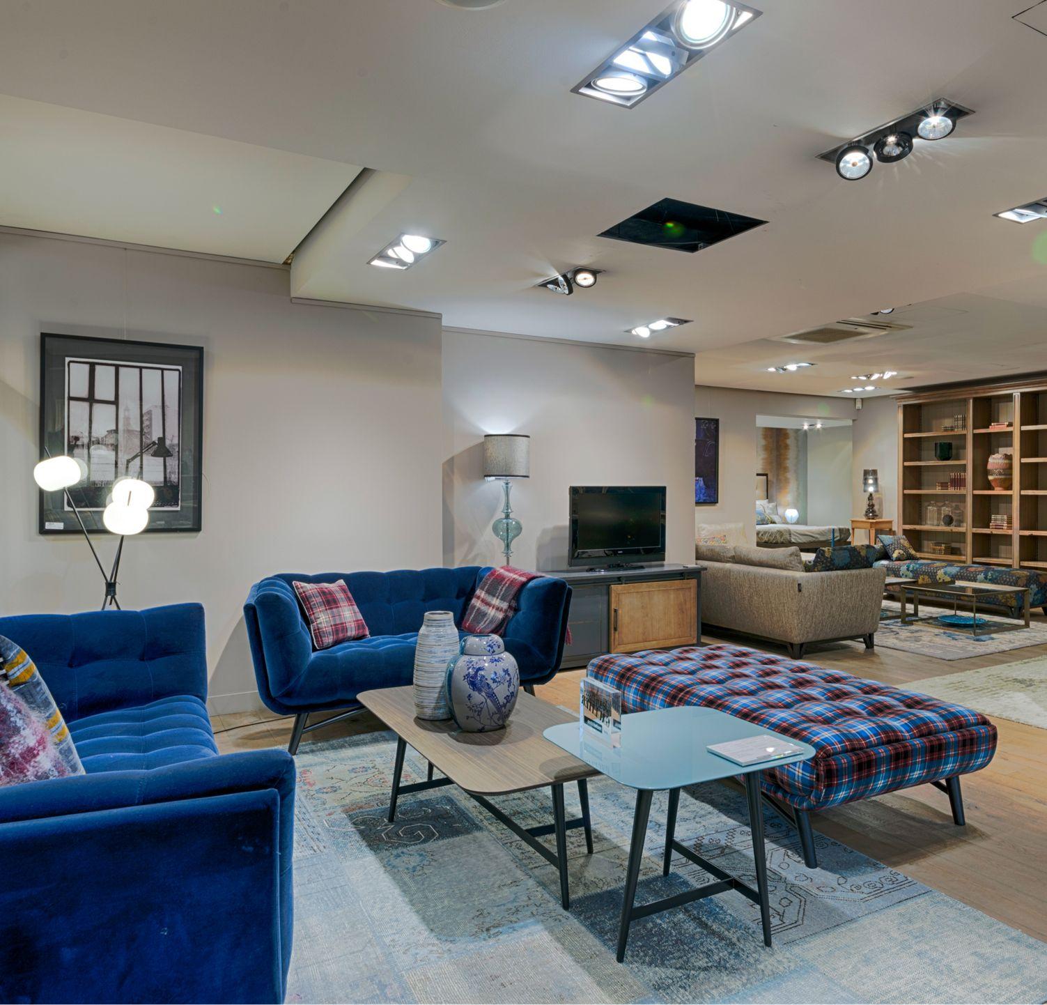 magasin roche bobois athis mons 91200. Black Bedroom Furniture Sets. Home Design Ideas