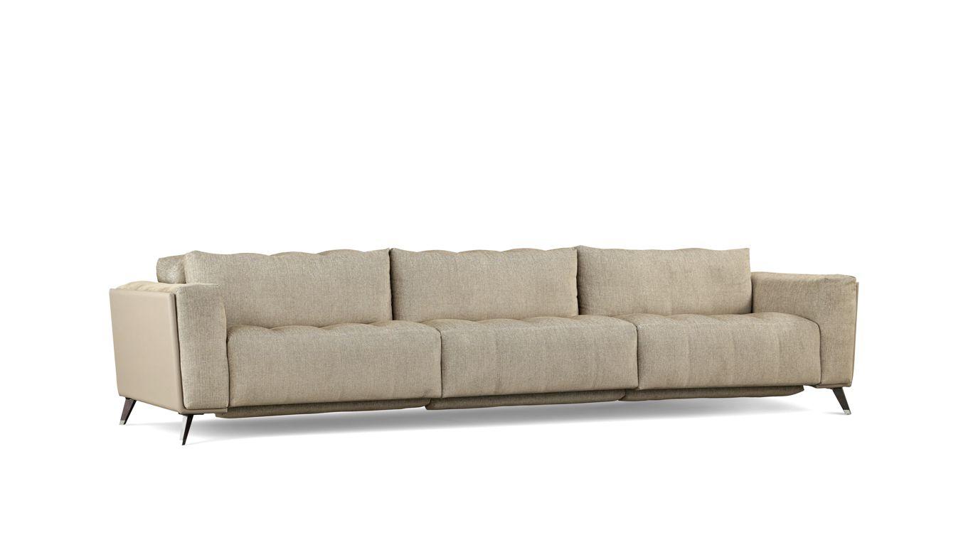 CONFIDENCE 5-SEAT SOFA (Nouveaux Classiques collection) - Roche Bobois