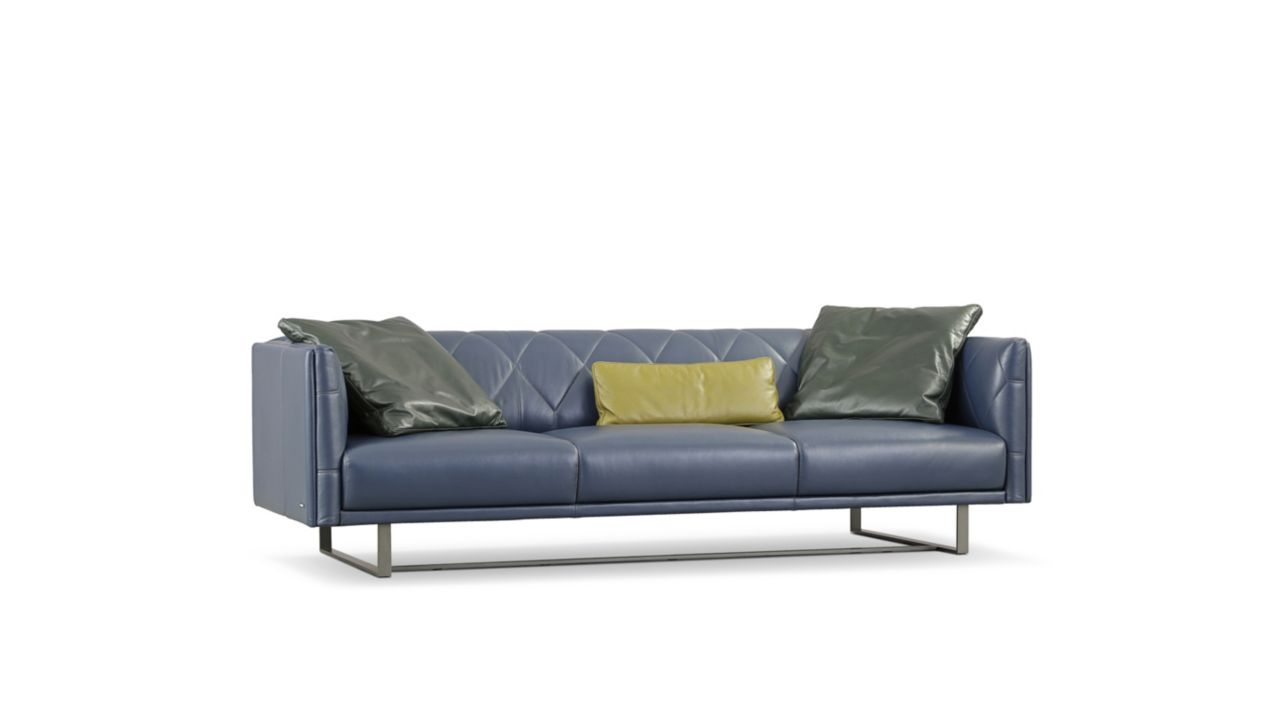 Up to date large 3 seat sofa roche bobois for Velour divan beds