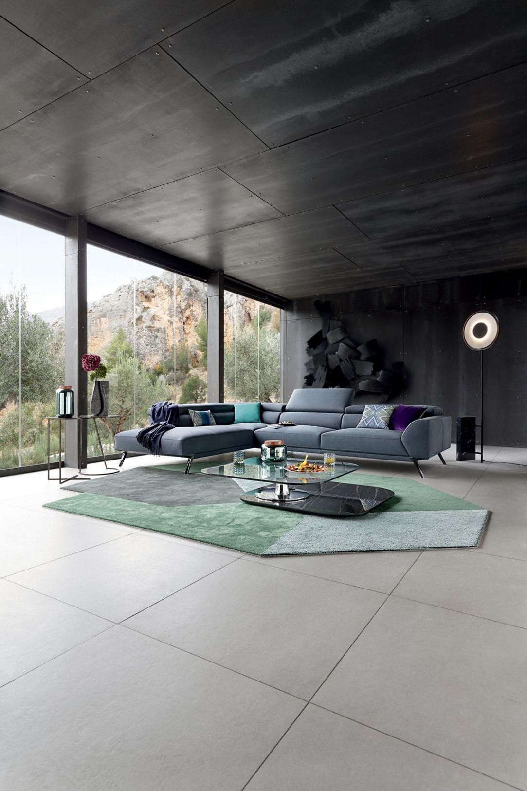 majordome pedestal table x roche bobois. Black Bedroom Furniture Sets. Home Design Ideas