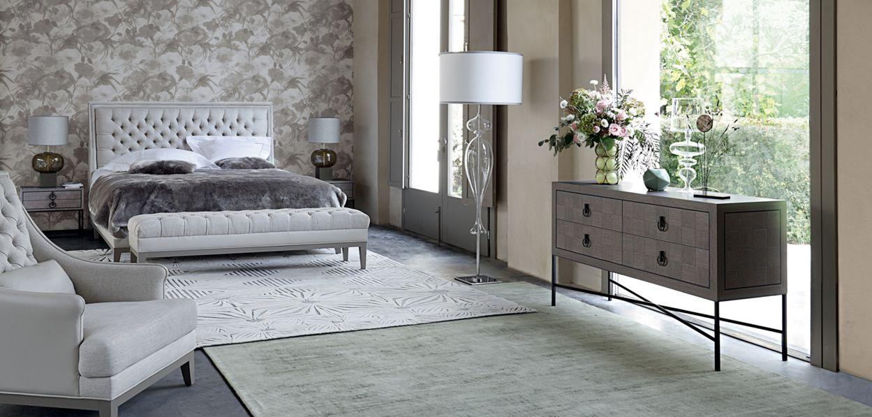 epoq commode collection nouveaux classiques roche bobois. Black Bedroom Furniture Sets. Home Design Ideas
